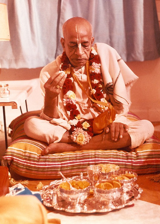 Srila Prabhupada taking prasadam