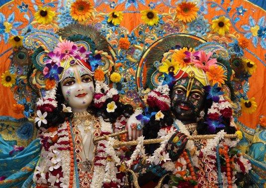 Krishna & Balarama4