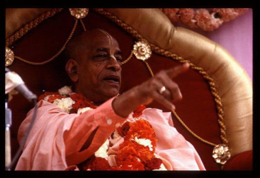 Srila Prabhupada speaking from Vyasasana