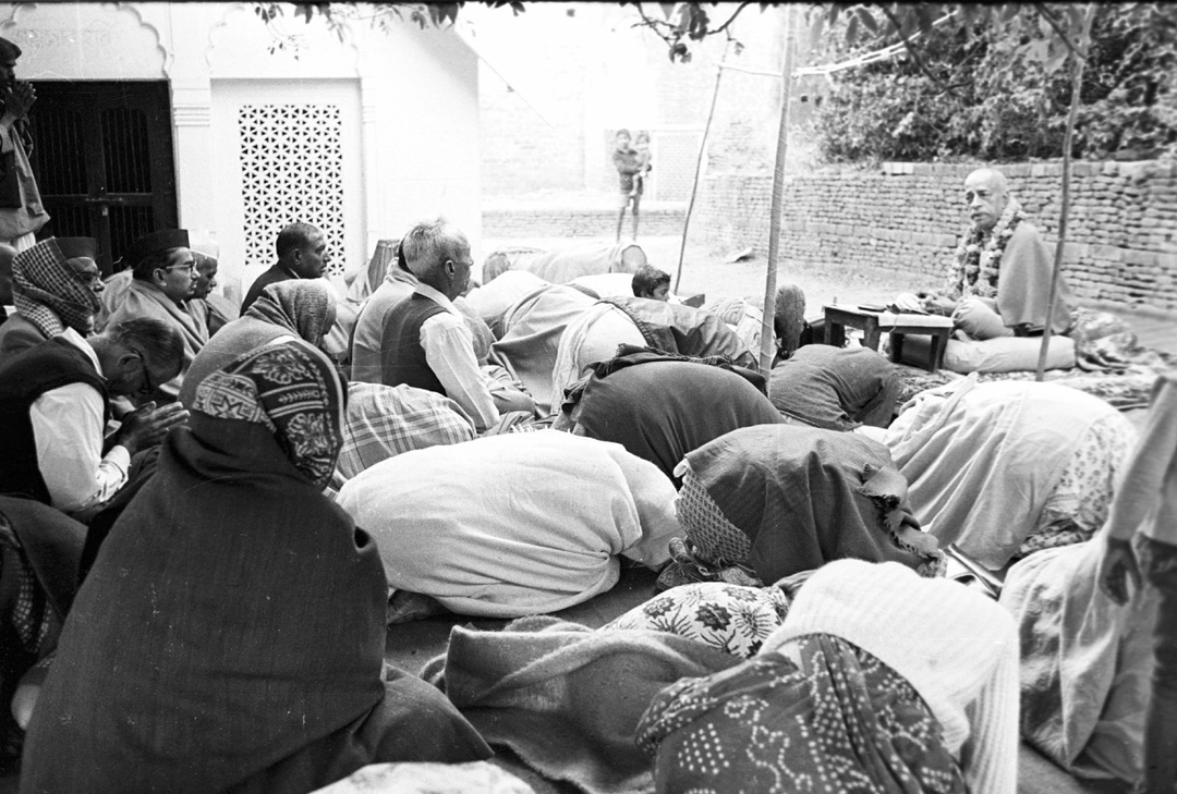 Nectar of Devotion Lectures Photo by Gurudas B18310