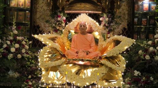 Srila Prabhupada's 2014 disappearance day  Vyasasan 054