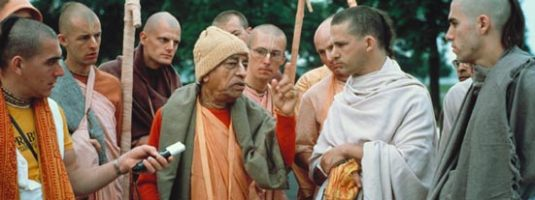 prabhupada_morning_walk