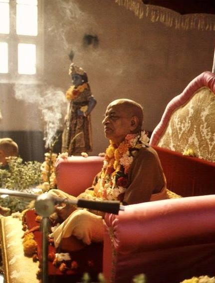 srila prabhupada and krishna